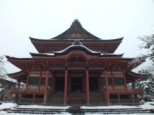 zenkoji in snow